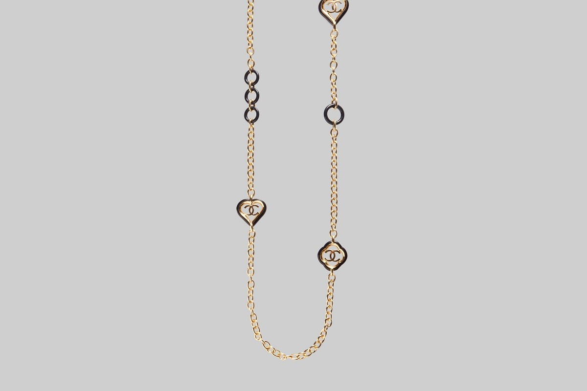 GOLD AND NAVY NECKLACE CHANEL LINEA PIU LUXURY ITEMS