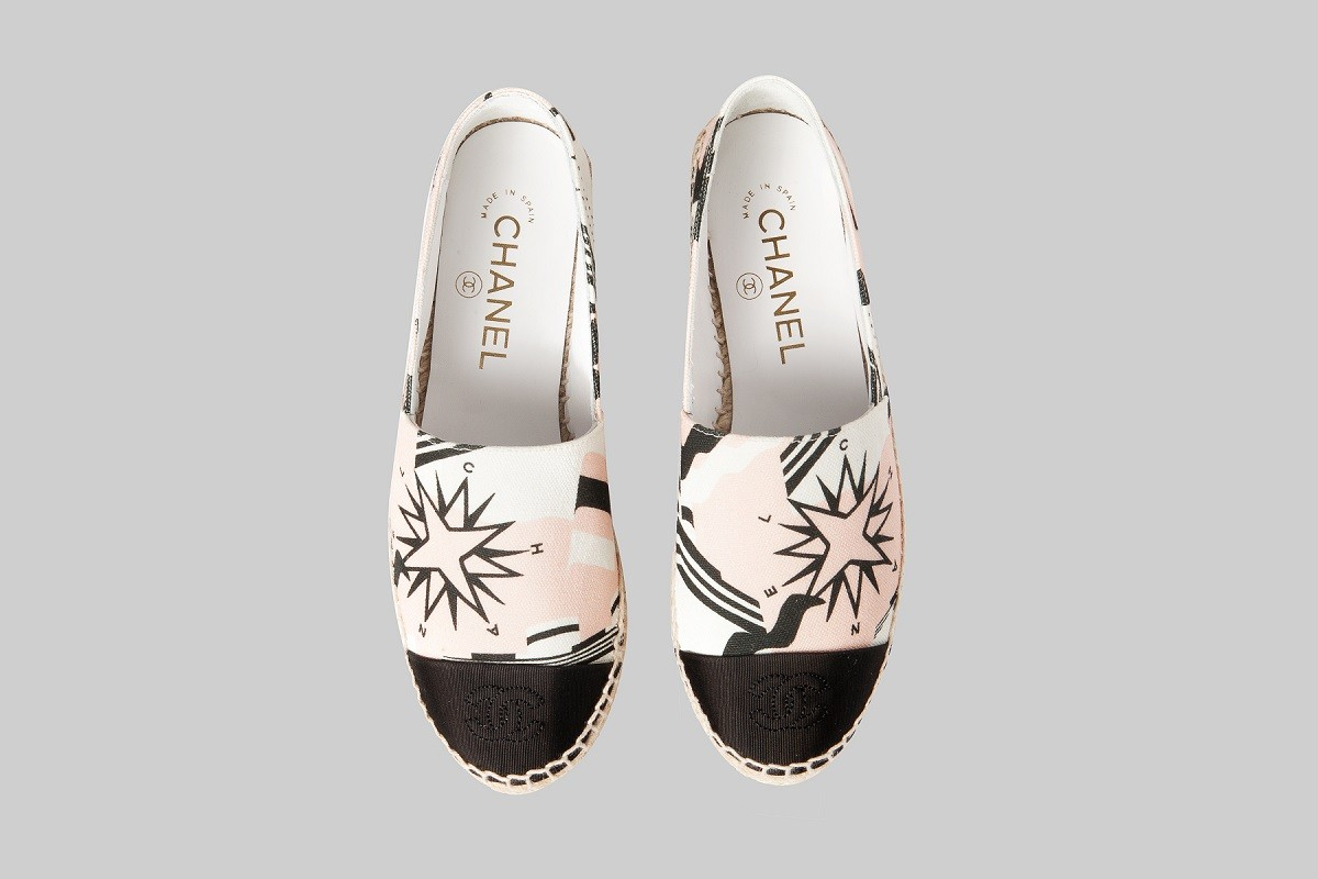 Pink-and-black-espadrilles-CHANEL-LINEA PIU-LUXURY ITEMS
