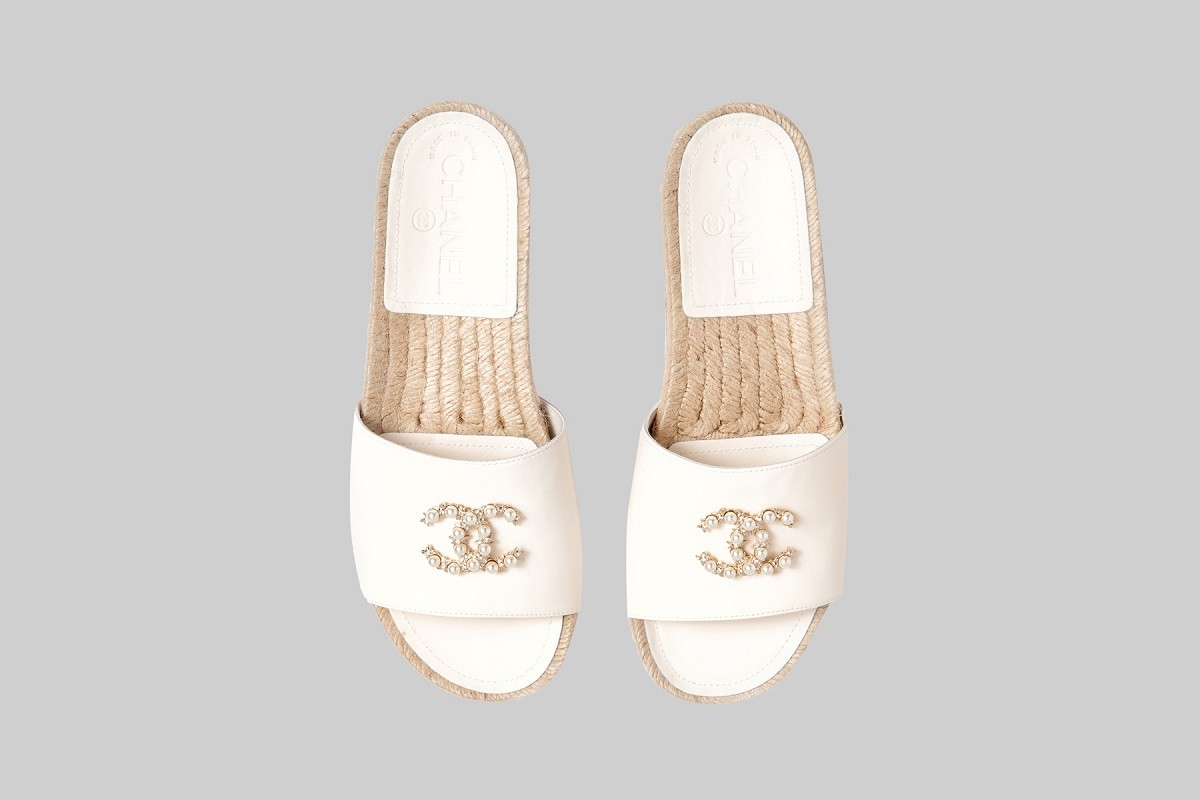 710bf84ce30b CHANEL. Ivory espadrille mules