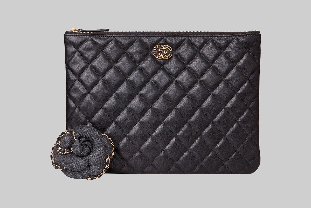 Camélia Tweed grise& Pochette noire LINEA PIU LUXURY ITEMS