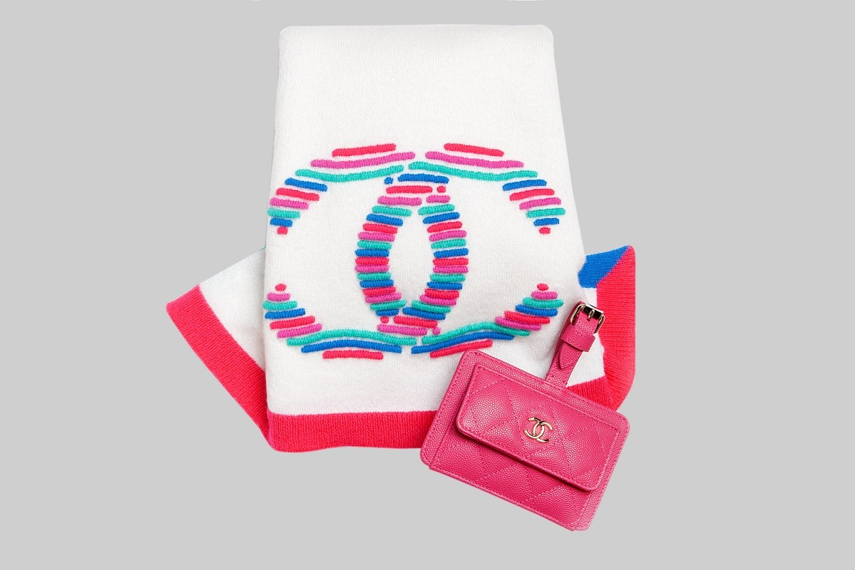 Ecru, red & pink stole & Pink luggage tag LINEA PIU LUXURY ITEMS
