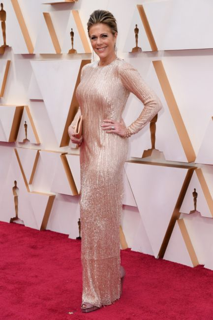 Rita wilson oscars 2020 red carpet 433x650