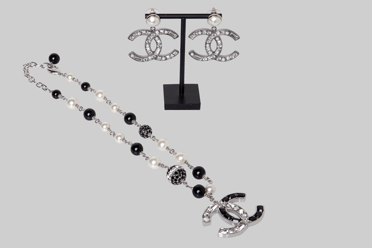Silver & black necklace, gold & ruthenium earrings with strass LINEA PIU LUXURY ITEMS